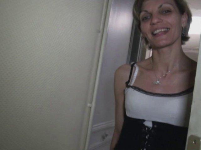 5483 1 - Luna fait sa première sex tape