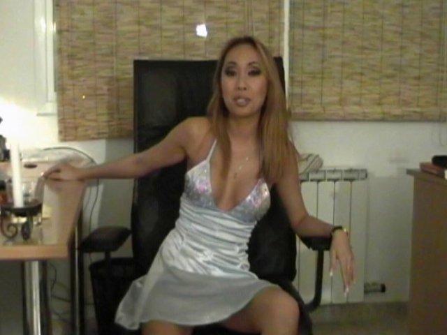 553 1 - Lili, une jolie tigresse Asiatique juste pour nous