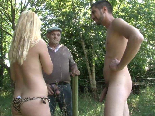 5609 1 - Papy baise une jeunette dans les bois