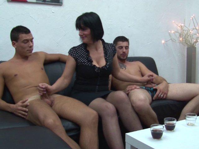 5630 1 - Une femme mature affamée de sexe