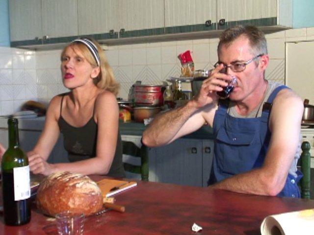 805 1 - Martine jolie agricultrice se fait baiser à la ferme